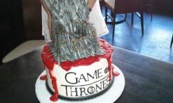 Egy igazi kocka szülinapi tortája