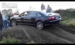 Ezt az Audi A8-tulajt muszáj kiröhögni