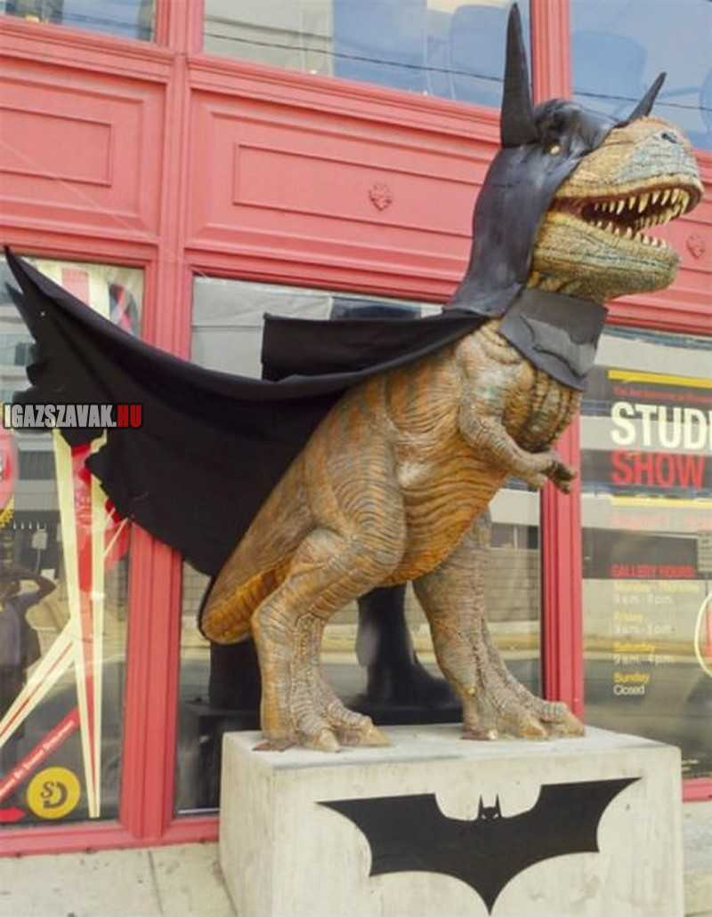batman T-rex