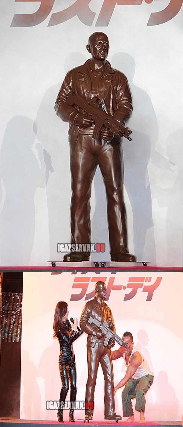 a japánok megünnepelték az új die hard filmet órási csokoládé Bruce willis-el