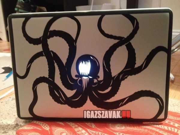 egy ötletes laptop diszités