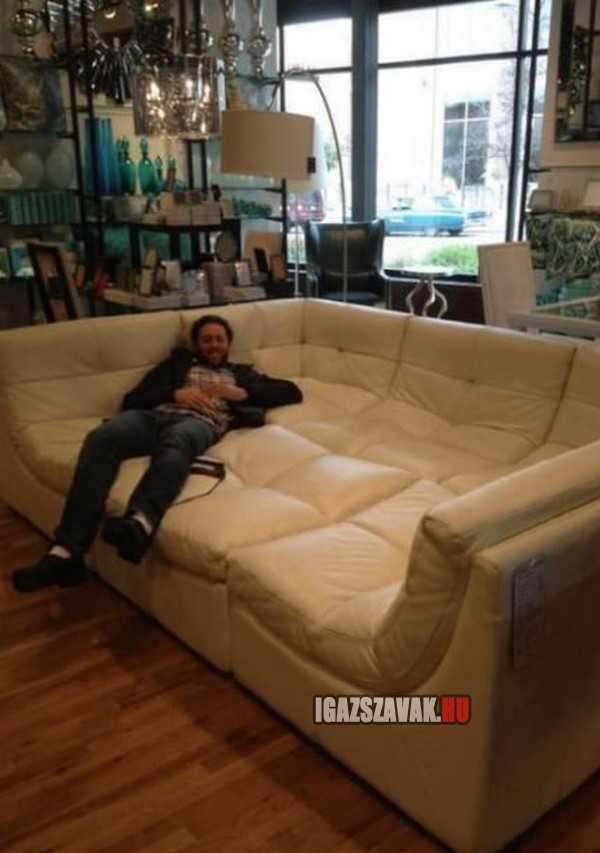 egy király fönöki fotel