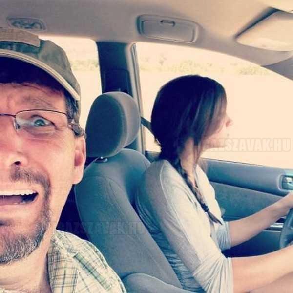 A húgom elkezdett vezetni, faterom ezt a képet töltötte fel a Facebookra