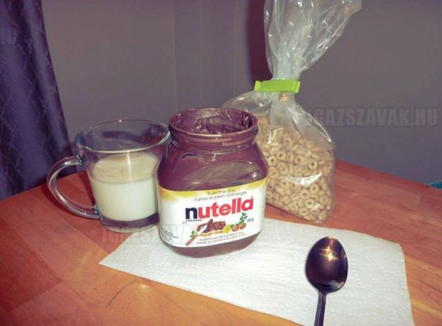 how_to_get_the_last_bits_of_nutella_out_of_the_jar_640_03
