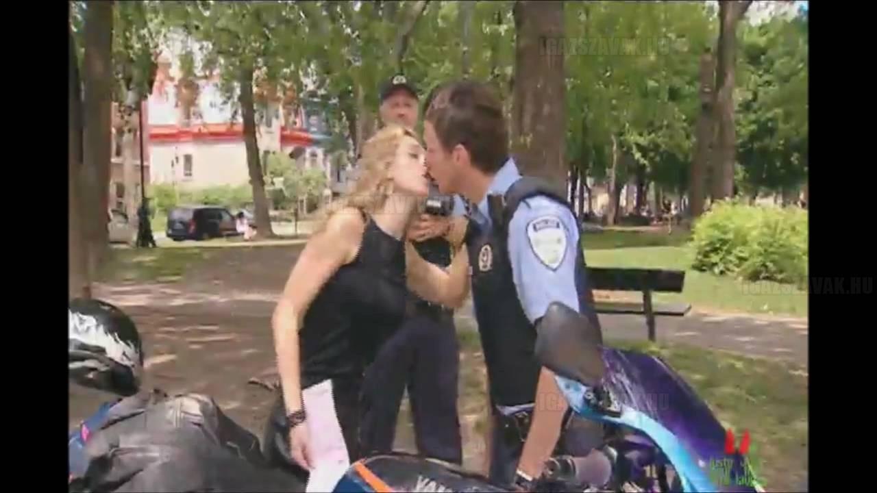 Nincs büntetés ha kapok egy csókot! – Figyeld a reakciókat!