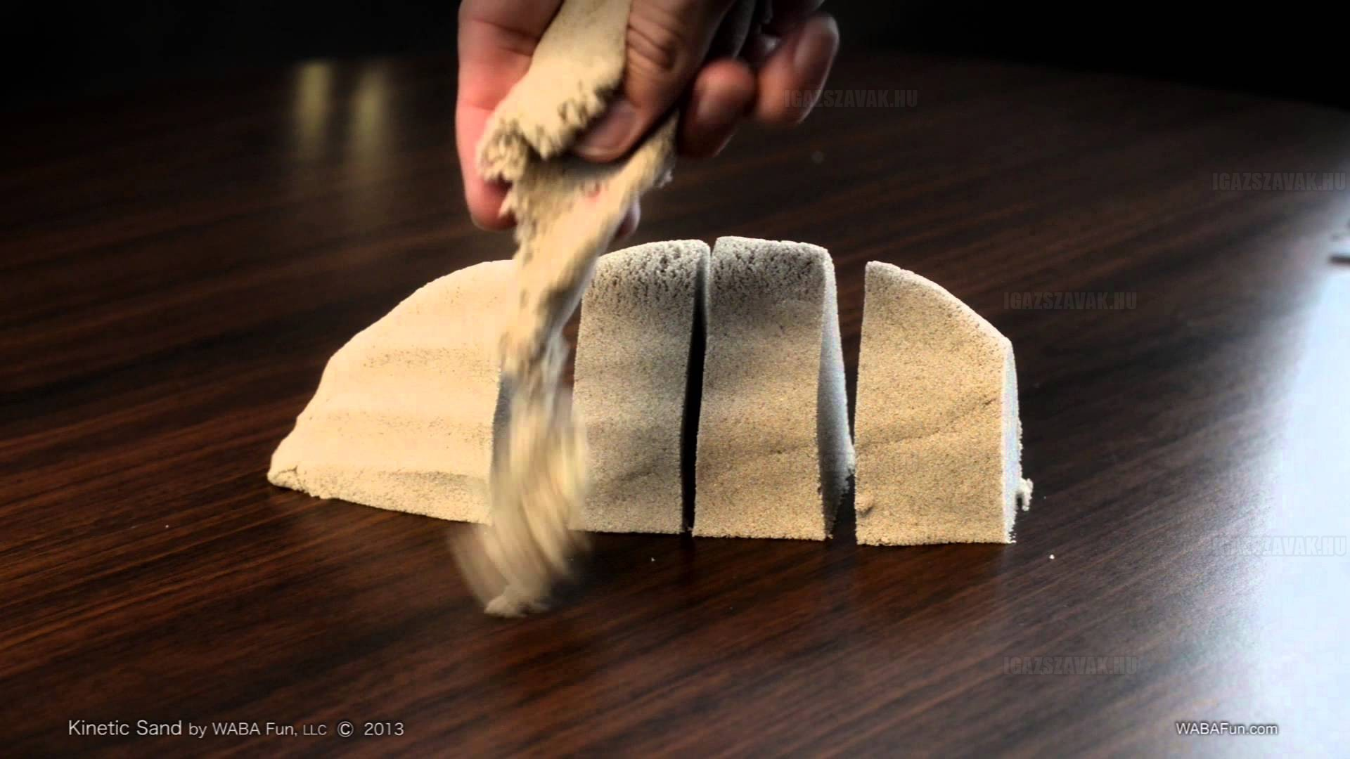 Ezzel a homokkal egész nap ellennél!