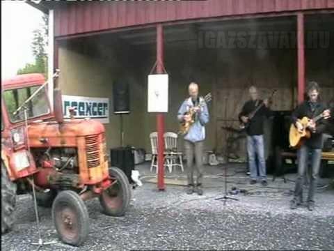 Lelépett a dobos… sebaj, van Traktor!