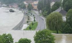 Durva! Vizsgázott a mobilgát Ausztriában