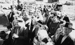 Újabb időutazó bukott le! Egy 1941-es fényképen fedezték fel, véletlenül